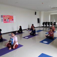 Kelas Yoga di RS.Marina Permata